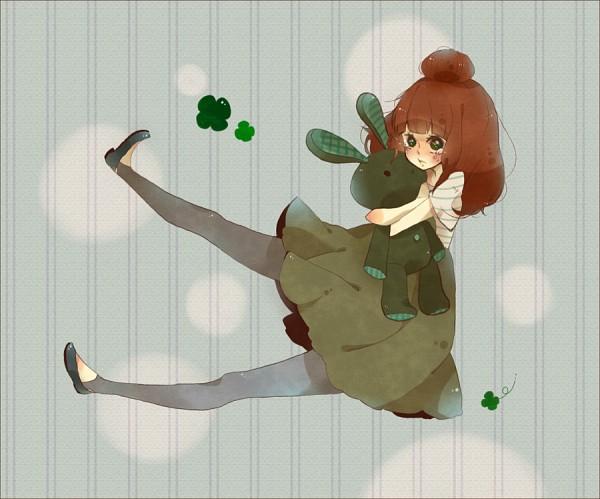 Tags: Anime, Pixiv Id 191929, VOCALOID, Single Bun, Clover (Plant), Hugging Toy, Stuffed Rabbit