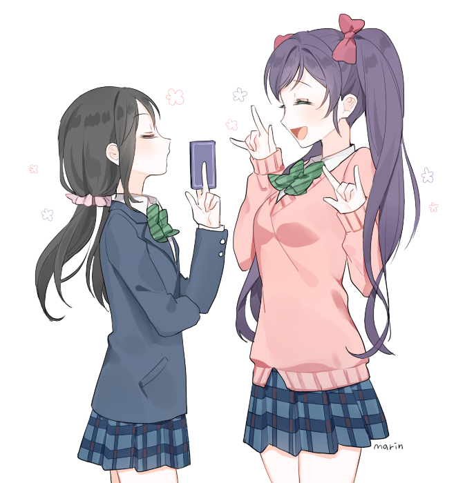 Tags: Anime, Pixiv Id 8571893, Love Live!, Toujou Nozomi, Yazawa Niko, Yazawa Niko (Cosplay), Toujou Nozomi (Cosplay), Hairstyle Switch, Pixiv, PNG Conversion, Fanart, Fanart From Pixiv